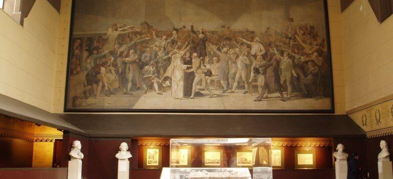 Les députés invités à mettre au pot pour restaurer la salle du Jeu de Paume