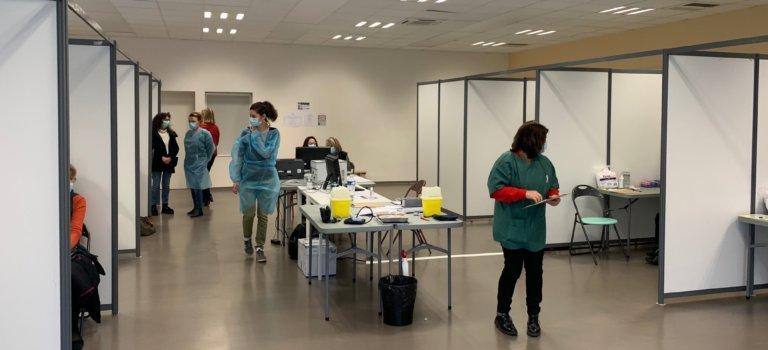 Covid-19: Alfortville et Nogent-sur-Marne déménagent et agrandissent leur centre de vaccination