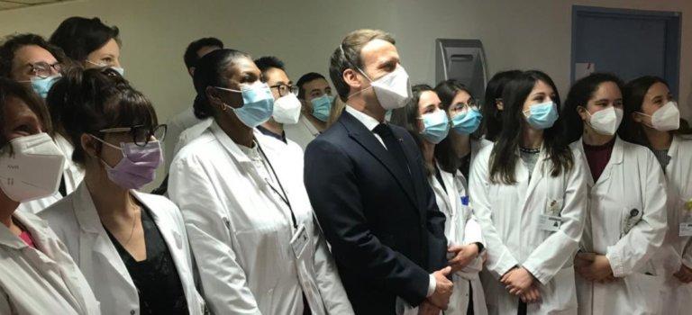 Depuis le centre anti-cancer de Villejuif: Macron s'engage à s'attaquer davantage au tabac et à l'alcool