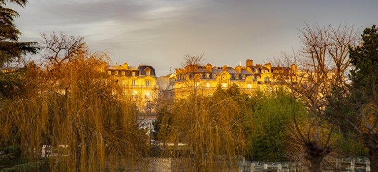 Ile-de-France: les bureaux fantômes sont-ils nos futurs logements?