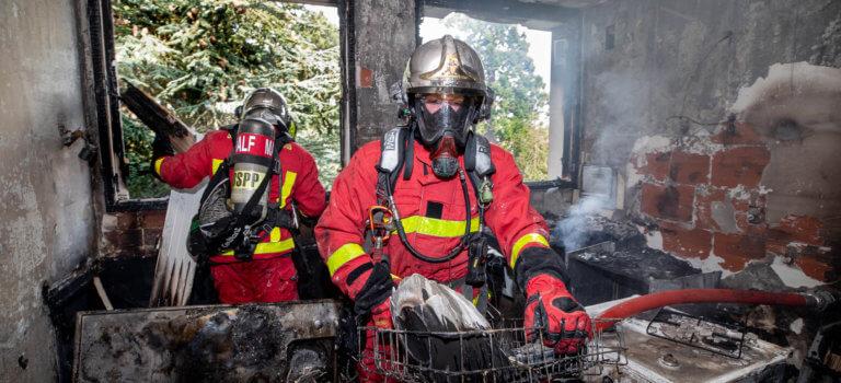 Incendie dans un appartement à Nogent-sur-Marne: deux personnes intoxiquées