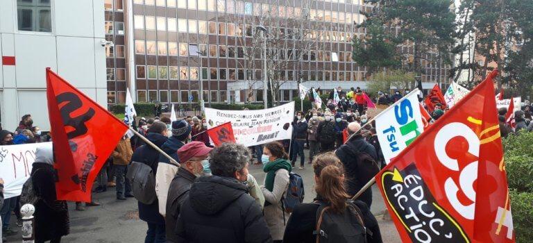 Rentrée 2021: plusieurs centaines de manifestants au rectorat de Créteil