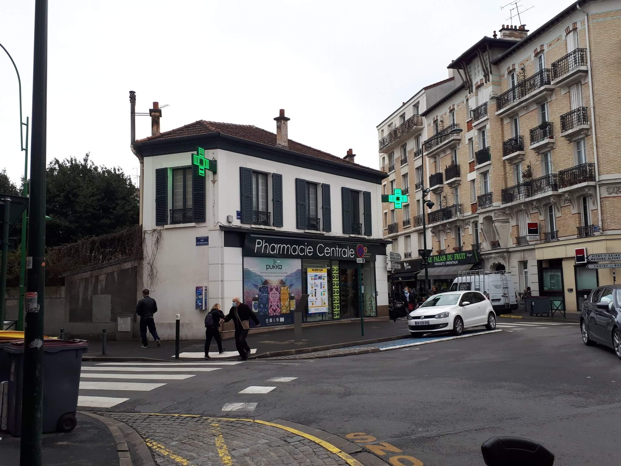 Val-de-Marne: premières doses d'Astra Zeneca livrées en pharmacie