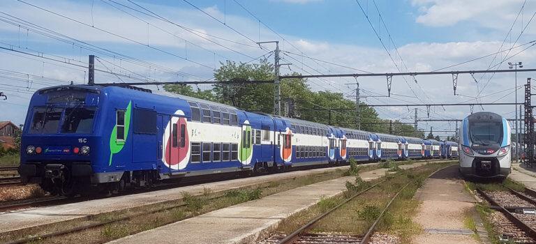Vieux trains de banlieue en Ile-de-France: l'équivalent d'une Tour Eiffel à recycler