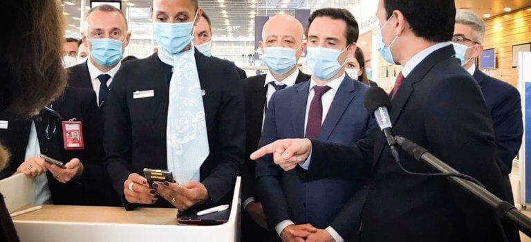 A l'aéroport d'Orly, les ministres testent le pass sanitaire pour la Corse