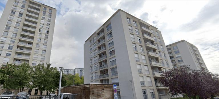 """Joinville-le-Pont : les """"sans ascenseur"""" de Barbusse réclament dédommagement"""