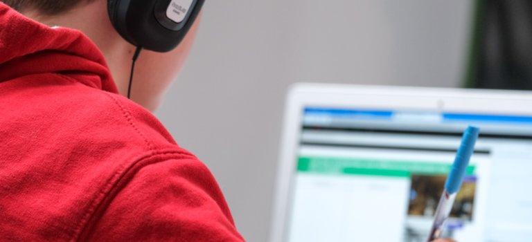 Ecole à la maison: le Parquet de Paris enquête sur des attaques informatiques