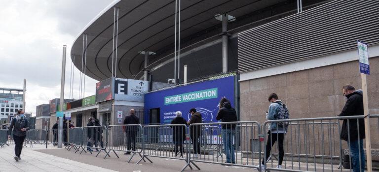 Gros succès pour les débuts du vaccinodrome XXL au Stade de France