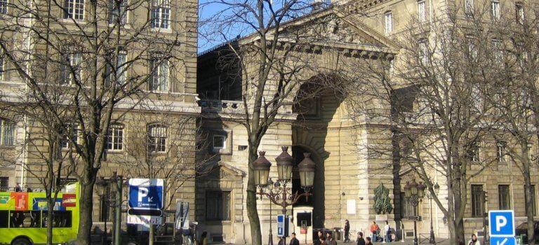 Immigration en Ile-de-France: compétences élargies pour le préfet de police de Paris
