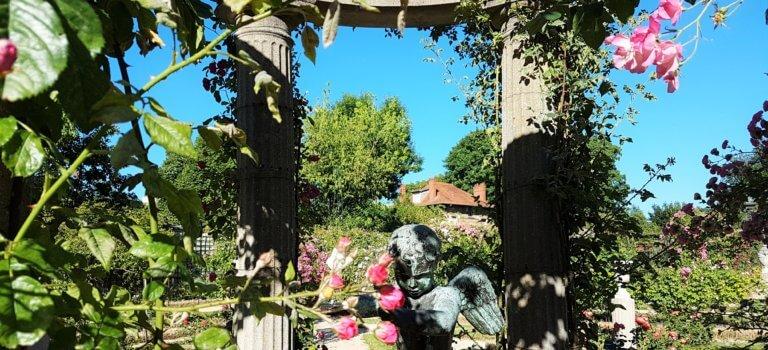 Roseraie du Val-de-Marne: près de 3000 variétés de roses à découvrir à L'Haÿ