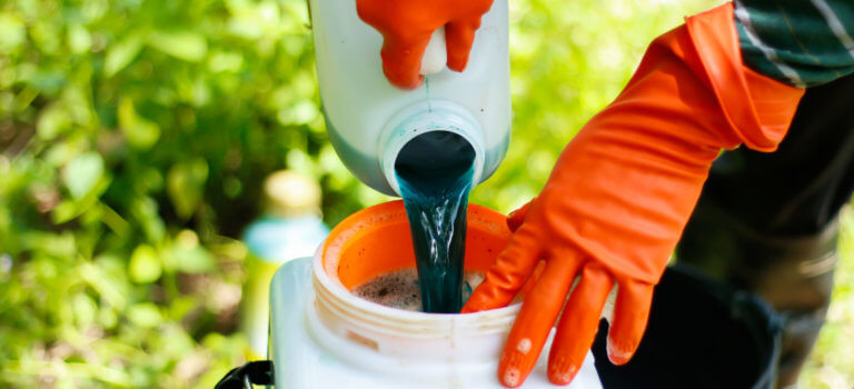 Le Val-de-Marne prend un arrêté anti-déversement de pesticides