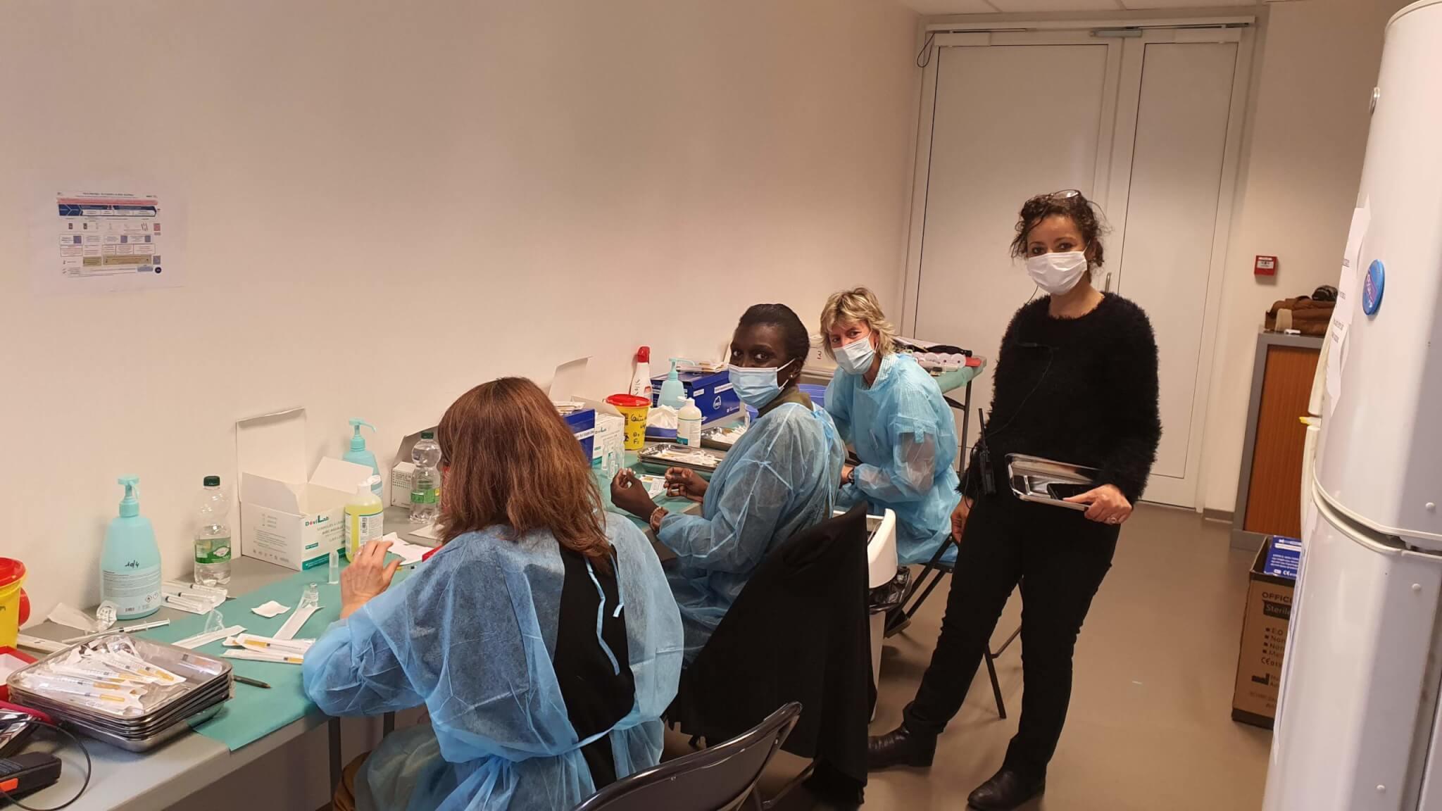 Covid-19: comment le centre de Nogent-sur-Marne s'est transformé en vaccinodrome XXL