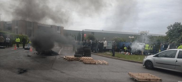 Villeneuve-Saint-Georges: les salariés de Signify (ex-Philips Lighting) en grève