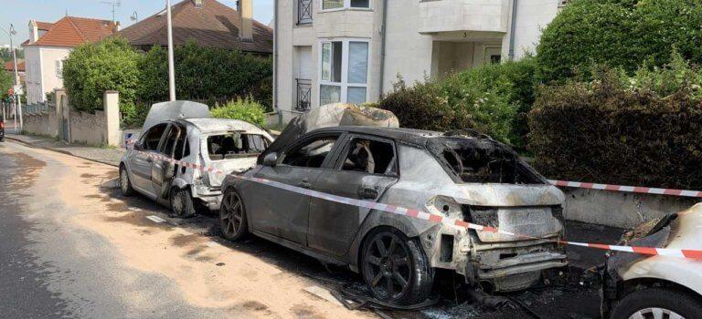 Bry-sur-Marne : un incendie détruit trois véhicules