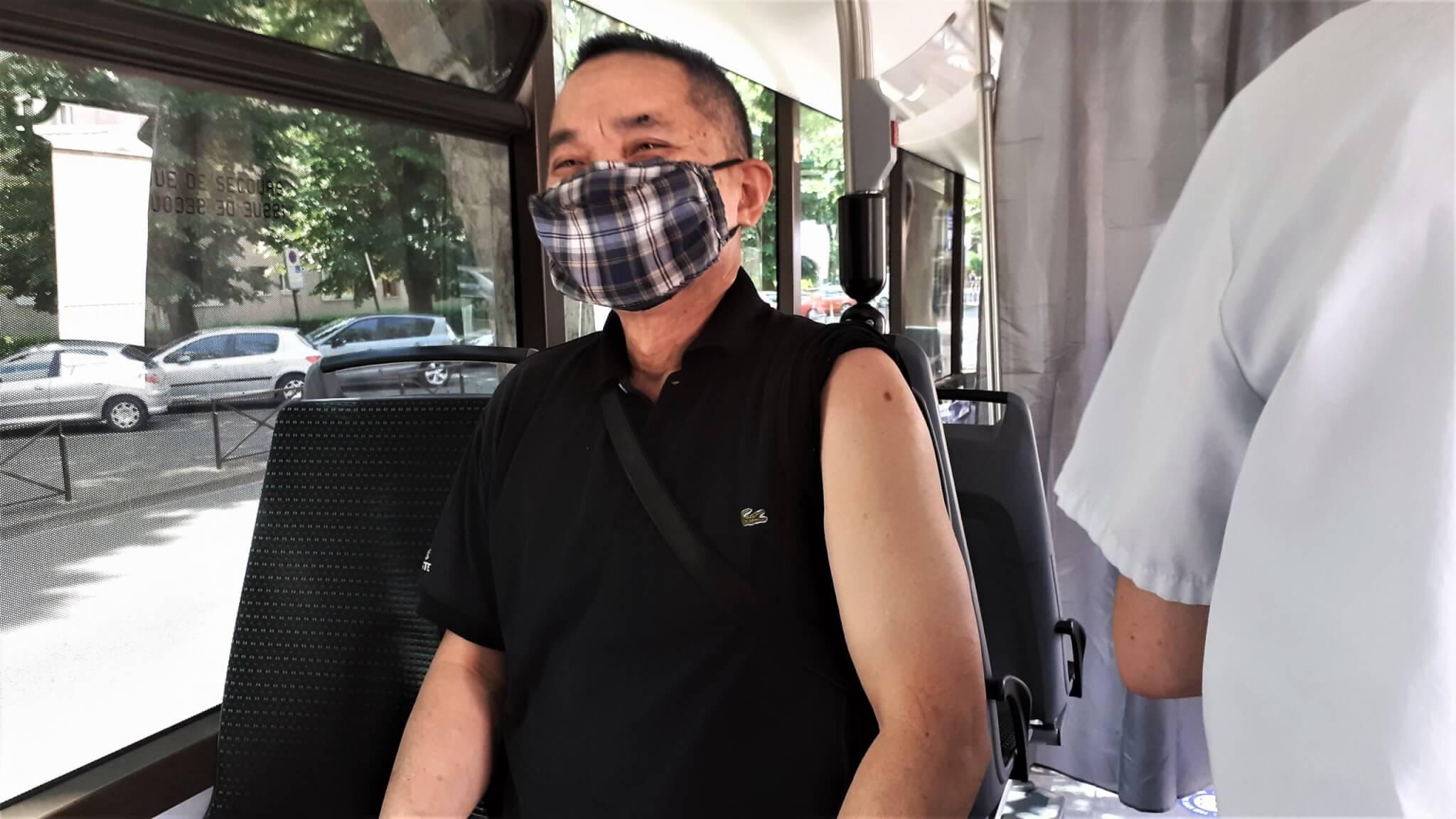 Villejuif: succès pour le premier arrêt du bus de vaccination contre la Covid