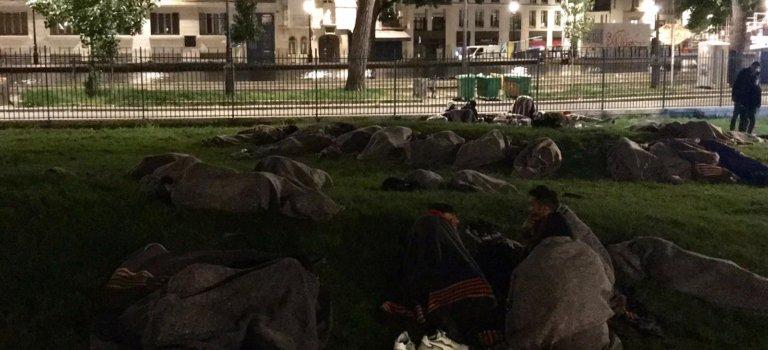 Ile-de-France: 550 migrants mis à l'abri après évacuation d'un parc à Paris