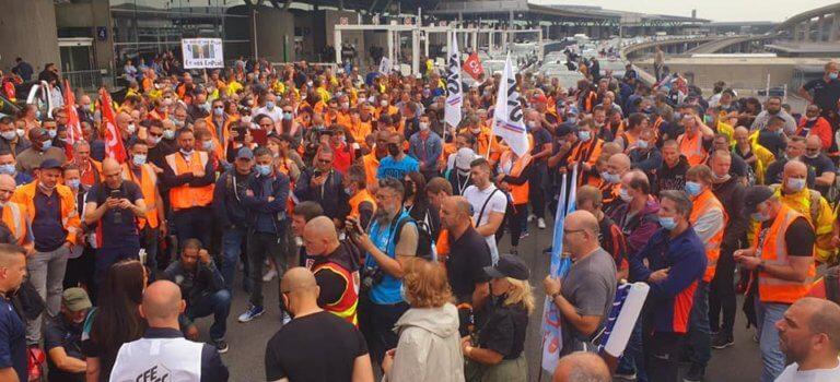 Orly: les salariés d'Aéroport de Paris en grève