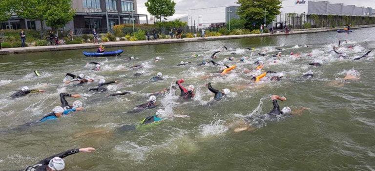 A Pantin, le canal de l'Ourcq attend les nageurs