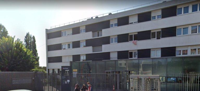 Champigny-sur-Marne: les cours reprennent au lycée Louise Michel