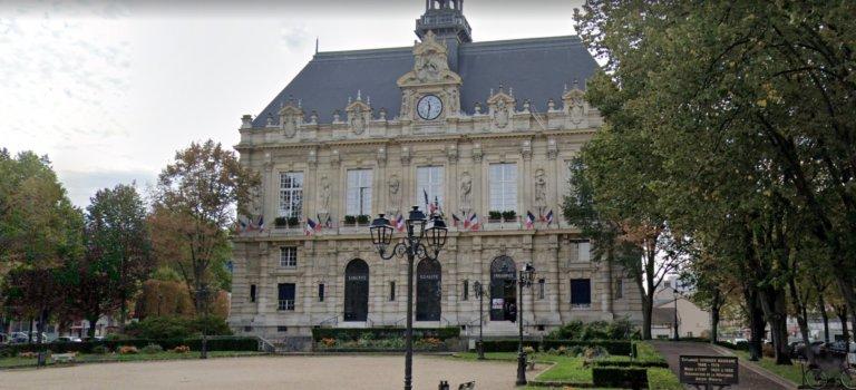 Ivry-sur-Seine: manif contre la violence après l'agression des élus